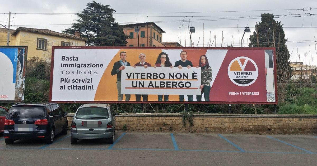 Cartellone Politico a Viterbo anti immigrati